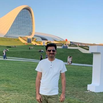 Raja, 40, Karachi, Pakistan