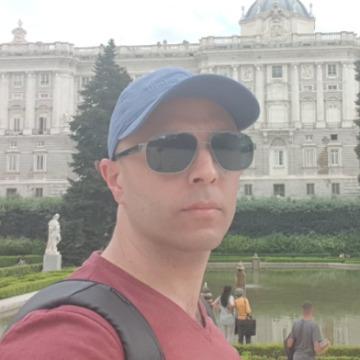 Alessandro Zapata, 36, Melbourne, Australia